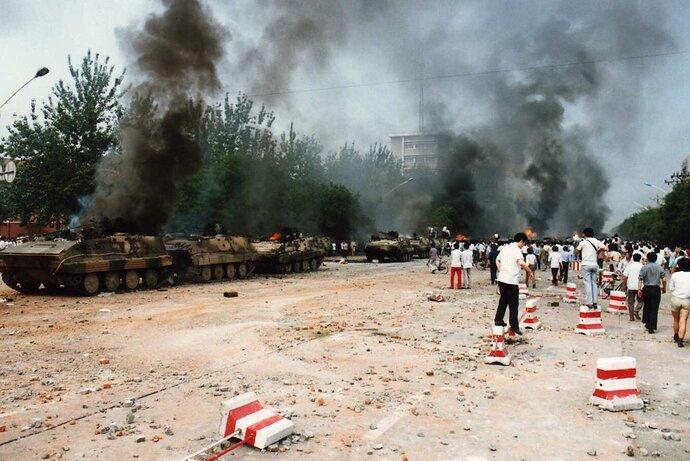 Tiananmen_1989_64_c2xj2